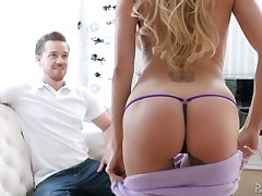 Zealous big breasted Brandi Love wanna win her MILFie pussy stretched missionary