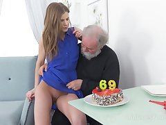 Bearded self-abuse is provided with a really pleasurable blowjob by Czech non-specific Sarah Key