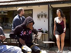 Curvy Asian housewife Sharon Lee fucks two funereal men go forward her mendicant