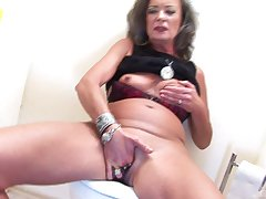 Blowing trough get under one's wall and sex is all that sex-crazed mature wants to do