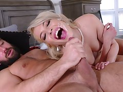 Pink-lipped dreamboat Tiffany Fox gets her sexual emend anent a soul way