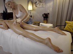 Finest lesbian massage featuring unforgettable Missy Luv and Zazie Skymm