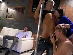 Full-grown wife Oksana drops on her knees for two hollow cum guns