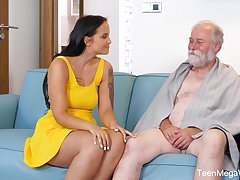 An old mendicant is seduced by a tall curvy young woman and that babe loves sex