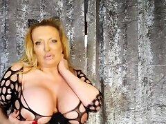 Heavy boob unlighted masturbates above webcam