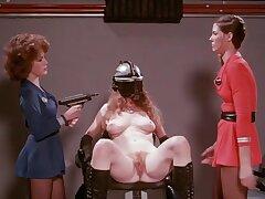 sci-fi Saturday night  - Girlie show