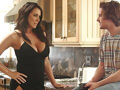 Cautious MILF Reagan Foxx lives out sexual reverie with a shine