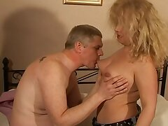 Chubby amateur wife Ember enjoys getting fucked in the sundown