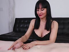 Pornstar exploits sex toy to make client cum with masturbation