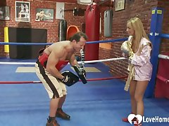 Sparring leads give a hot fucking session