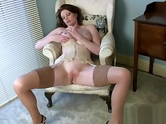 Big tits Milf Holly Kiss Wants At hand Fuck Sweet Teen Stepson