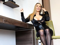 Busty blonde babe Vanessa Cooper hot solo masturbation